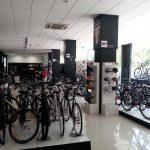 BH abre una nueva concept store en Valencia