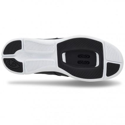 Giro Grynd sole