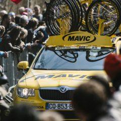 Vive la París-Roubaix desde el pelotón con Mavic