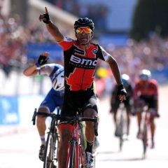 Video: Van Avermaet reina en la París-Roubaix