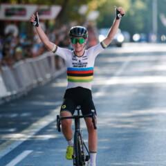 Movistar ficha a Van Vleuten, la mejor ciclista del mundo