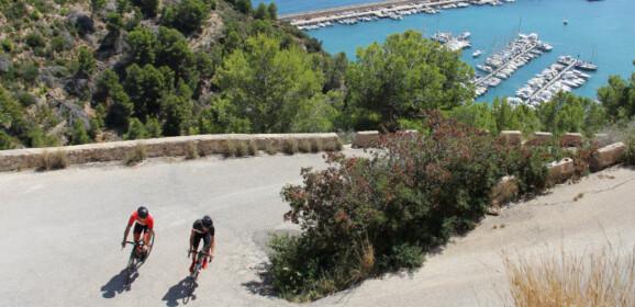Clínics de ciclismo en Dénia y Formigal