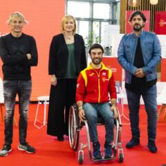 'Giran y van', la canción de Antonio Orozco para apoyar al ciclismo paralímpico