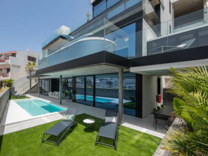 The One Luxury Apartments
