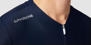 El Movistar Team vestirá ropa La Passione